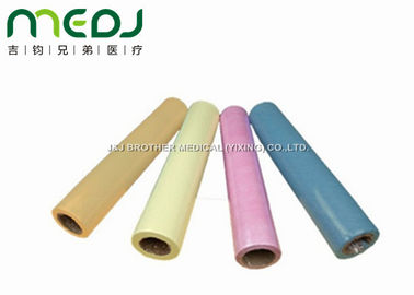 Cina OEM Colorful Bed Sheet pakai Roll, 40mm Core Dia Hospital Bed Paper Bed Roll pemasok